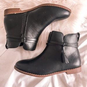NWOT Black Girl Gap Leather Booties Size 4